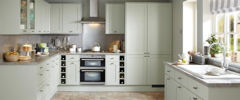 Greenwich shaker grey kitchen range kitchen families for Kitchen ideas howdens
