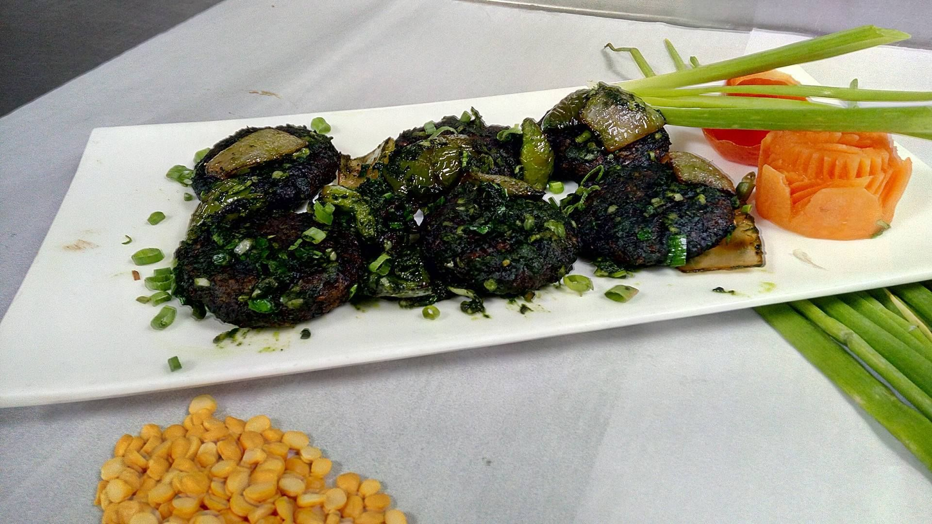Greens Restaurant Monsoon Special Foods And Soup Greens Restaurant Best Vegetarian Dishes Food