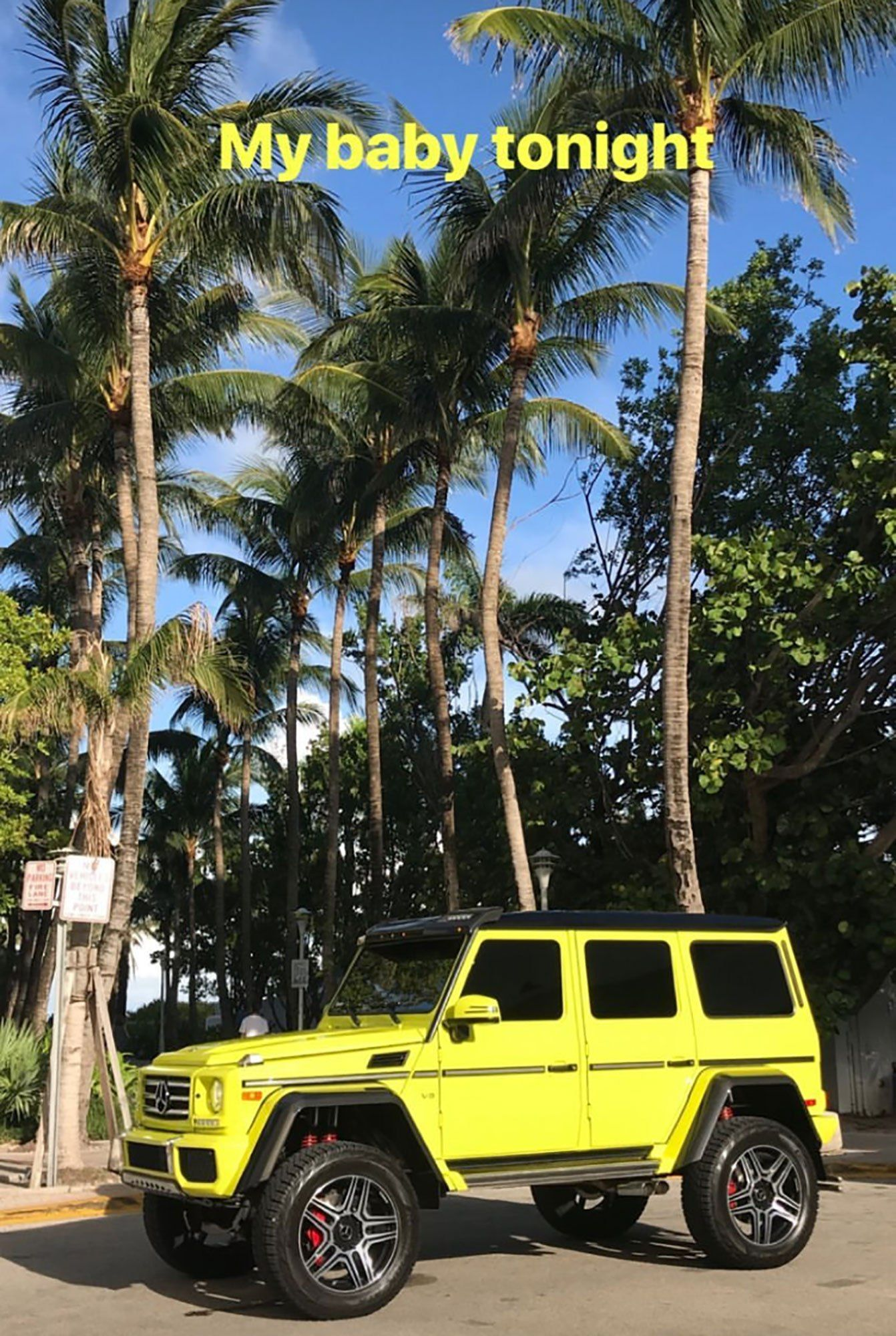 c08322303cb54 Beach Babe! Kim Kardashian West Shows Off Her Curves in Miami While ...