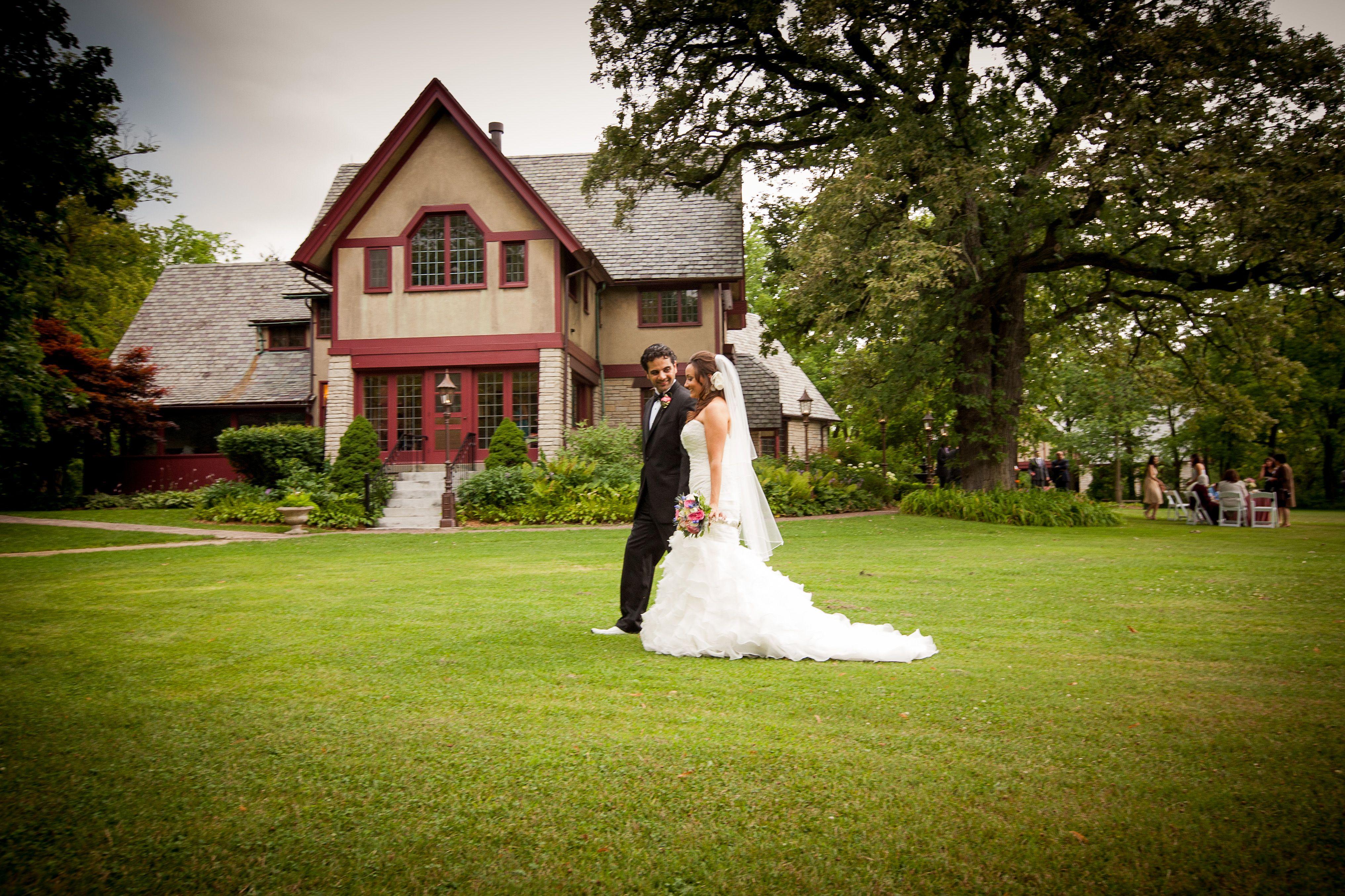 Grove redfield estate wedding pictures reception and weddings grove redfield estate chicago wedding venuesillinois junglespirit Choice Image