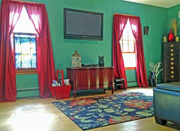 i like the red curtains on the teal wall emily room living room rh pinterest co uk