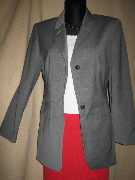 "NEU* Edler * Hosen- Anzug- Kostüm * Schurwolle * Blazer ""She"" Gr.36/S, grau *"