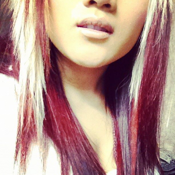 Rawwwwwws More Burgundy Red Blonde Platinum Hair Hair Highlights Hair Styles Red Hair With Blonde Highlights