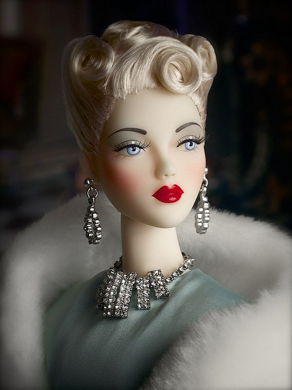 The Studio Commissary: For those on the fence: A closeup of Hollywood Canteen Gene (photo)  -  Posted by Tom in CA [Email User] on June 7, 2016, 6:29 pm.  I think this Gene looks both so icy and so innocent. So beautiful. Thank you, Mel and George.  Wig by Ilaria.  Enjoy!   Tom in CA