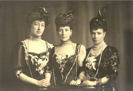 Dowager Empress Marie (right) with her sisters Queen Alexandra and Crown Princess Thyra.