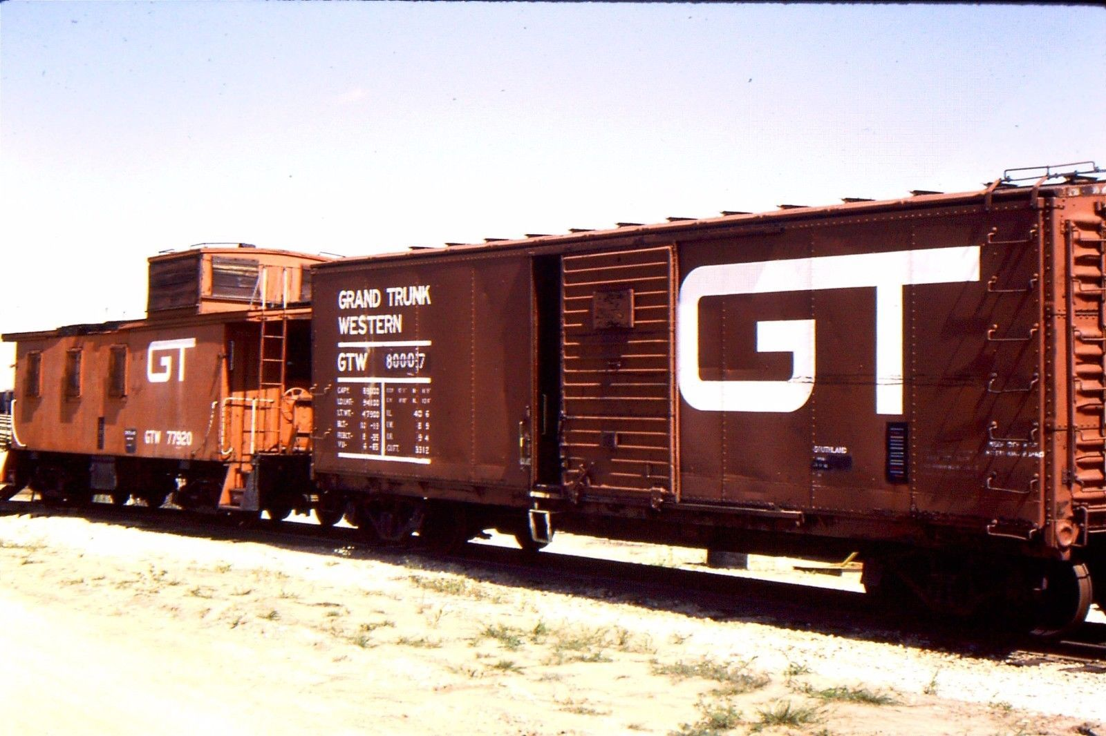 GTW caboose 77920 with GT boxcar 1984 DURAND, MI Box