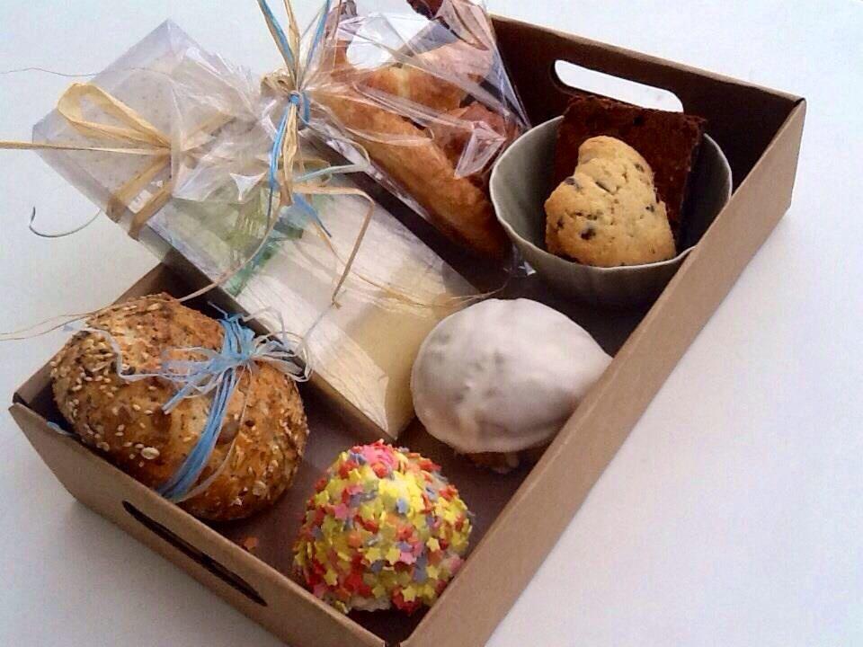 En nuestras cajas bandejas de cart n reciclado desayunos - Desayuno sorpresa madrid ...