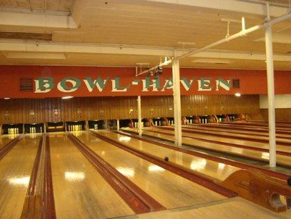 Boston S Best Bowling Venues Candlepin Bowling Bowling Bowling Center