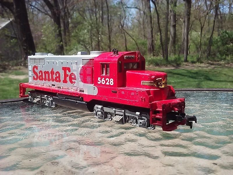 Tyco Ho Scale Santa Fe Gp 20 Diesel Engine Train Track Locomotive 5628 Tyco Locomotive Ho Scale Diesel Engine