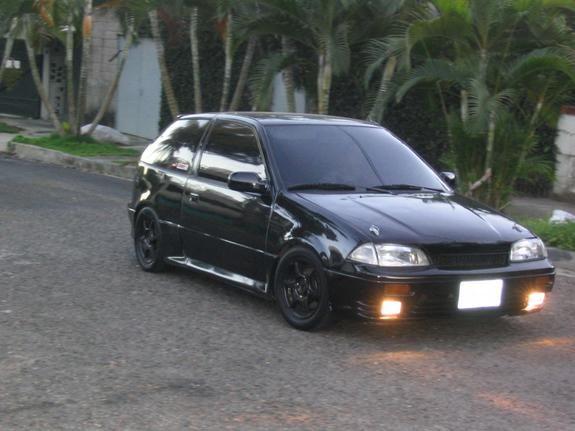 Suzuki Cultus Autos