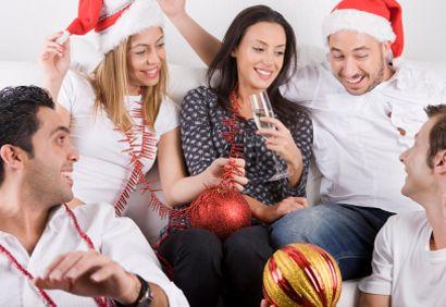 Voici Quelques Idees De Jeux Pour Les Fetes Que Lon Pourra Adapter Au Party De Bureau En Famille Entre Amis