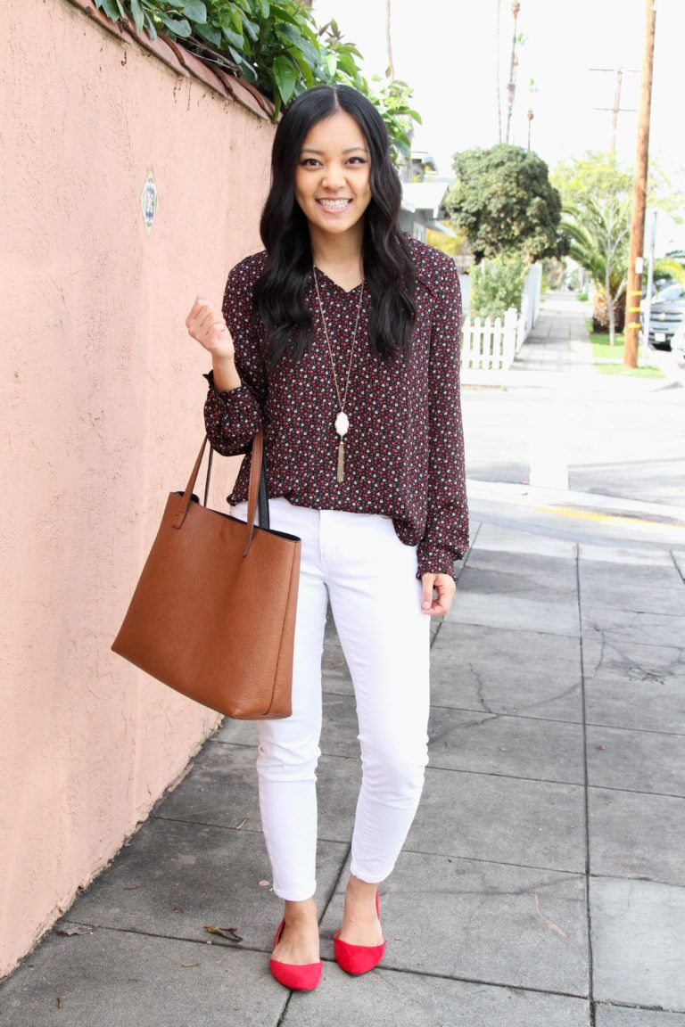a06cb1bf2a6a7 Floral print blouse+white jeans+red pointed flats+cognac/ brown tote  bag+long necklace. Sprirng Weekday / Workwear / Casual Date 2019