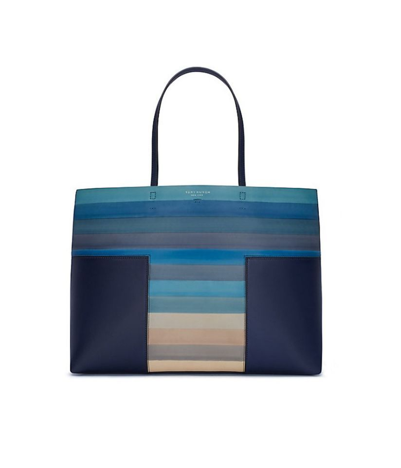 debcf25117e4 6 Gorgeous Handbags That Are Literal Works of Art