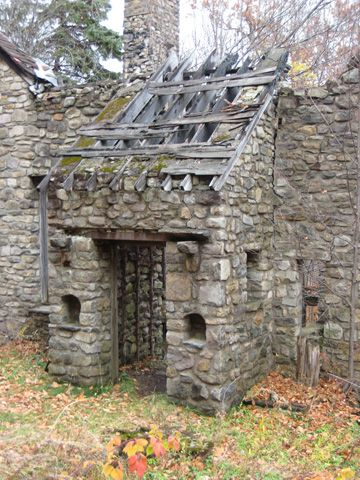 Fieldstone Farm Devils Hole Road Mt Pocono Preserved By Pocono Heritage Land Trust Old Abandoned Buildings Abandoned Farm Houses Derelict Places
