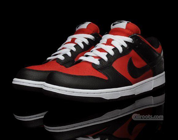Nike Dunk Low Varsity Red/Black Via: Tenisufki.eu