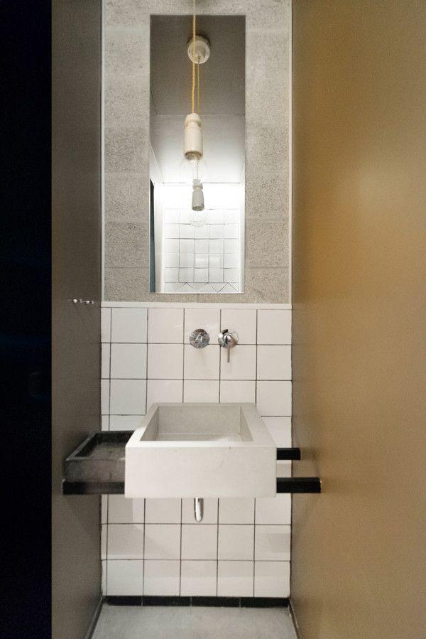 A Bauhaus Apartment in Tel Aviv Gets Renovated Pinterest Baños