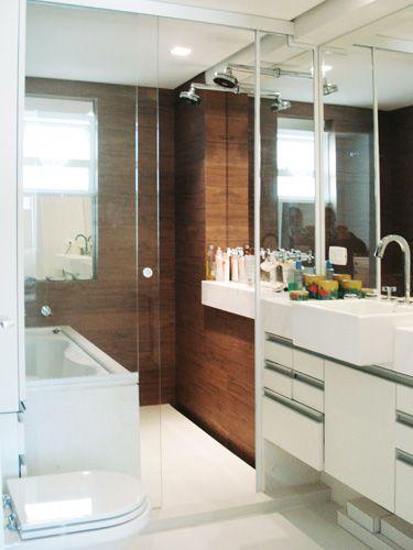20 banheiros decorados com porcelanato que imita madeira  baños madera  Pin -> Banheiro Pequeno De Madeira