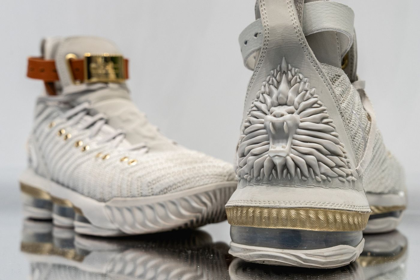 online store 12bec 15fc2 The HFR x Nike LeBron 16 Is Fit for a Queen | Shoe Game ...