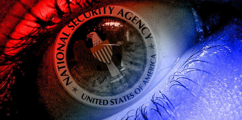 Glenn Greenwald y Laura Poitras dieron a conocer las primeras informaciones publicadas en su estreno que dan cuenta del espionaje llevado a cabo por la Agencia de Seguridad Nacional(NSA) y otras agencias de inteligencias a gobiernos, ciudadanos y empresas del mundo sobre el sistema de espionaje electrónico como método principal de localización de blancos para ataques de dron. La información fue confirmada y contada por un antiguo operador de drones del Comando Especial de Operaciones…