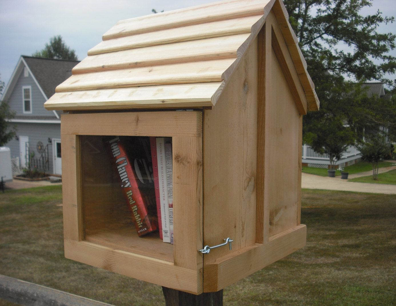 House On A Stick Cedar Pine Neighbor Book Exchange Unfinished With Post Mount Fully Assembled Must Be Painted Or Little Free Libraries Post Mount Cedar