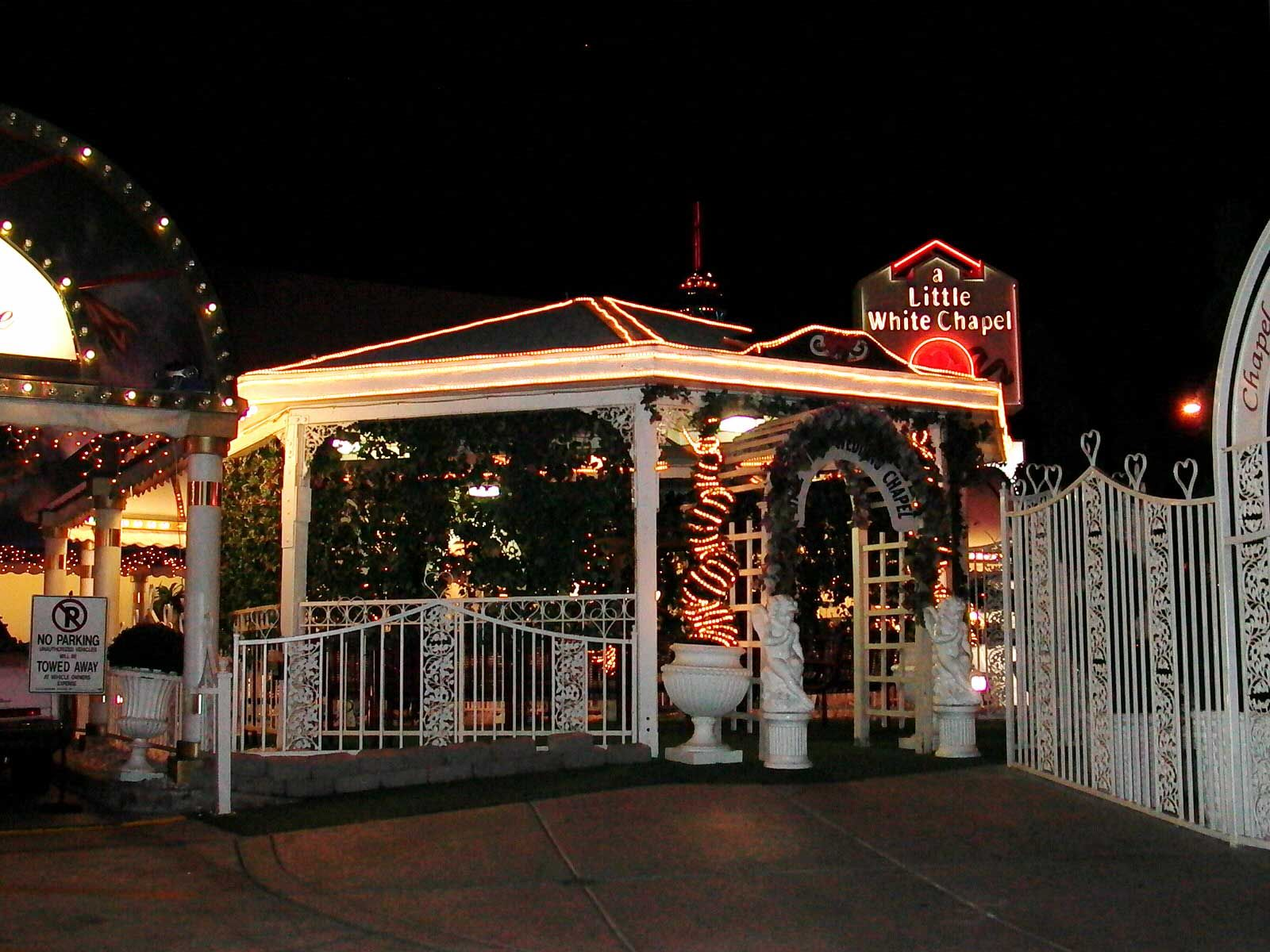 A Little White Wedding Chapel Las Vegas Nv Yes My Hunny And
