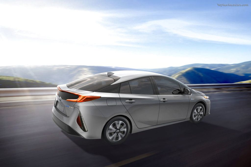 2017 Toyota Prius Prime Hd Wallpaper High Definition Wallpaper