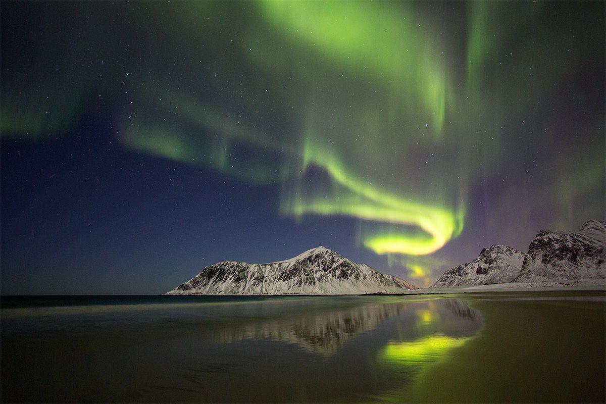 The dance of light. @Lofoten Norway Автор: hong seungpyo
