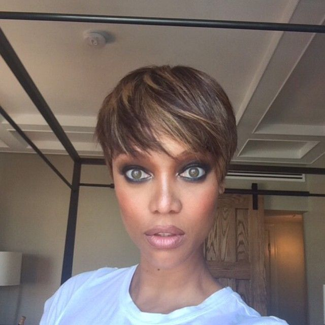 Tyra Banks Has A Pixie Haircut Photos Short Hair Highlights Short Hair Styles Short Hair Haircuts