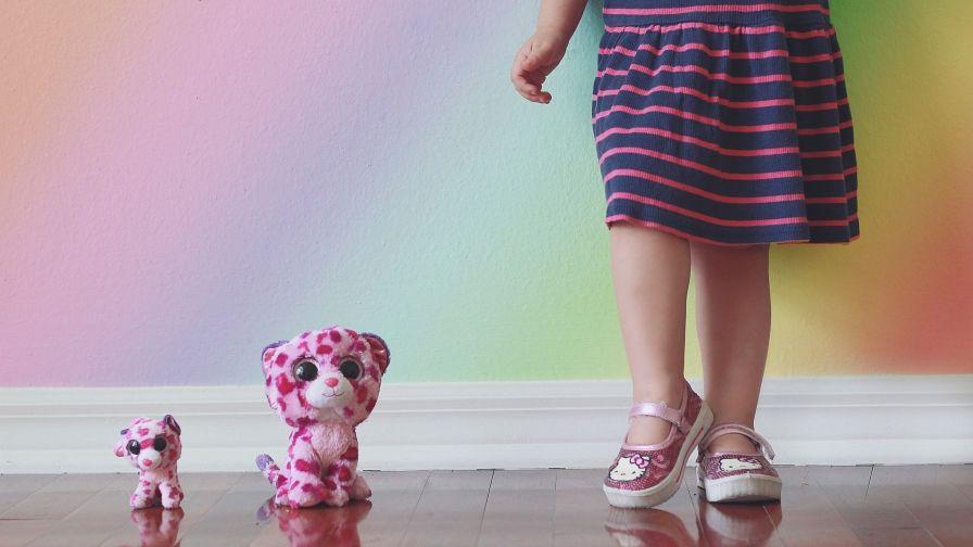 Beautiful Girl Toys Hd Wallpaper Download Hd Wallpapers Iphone6