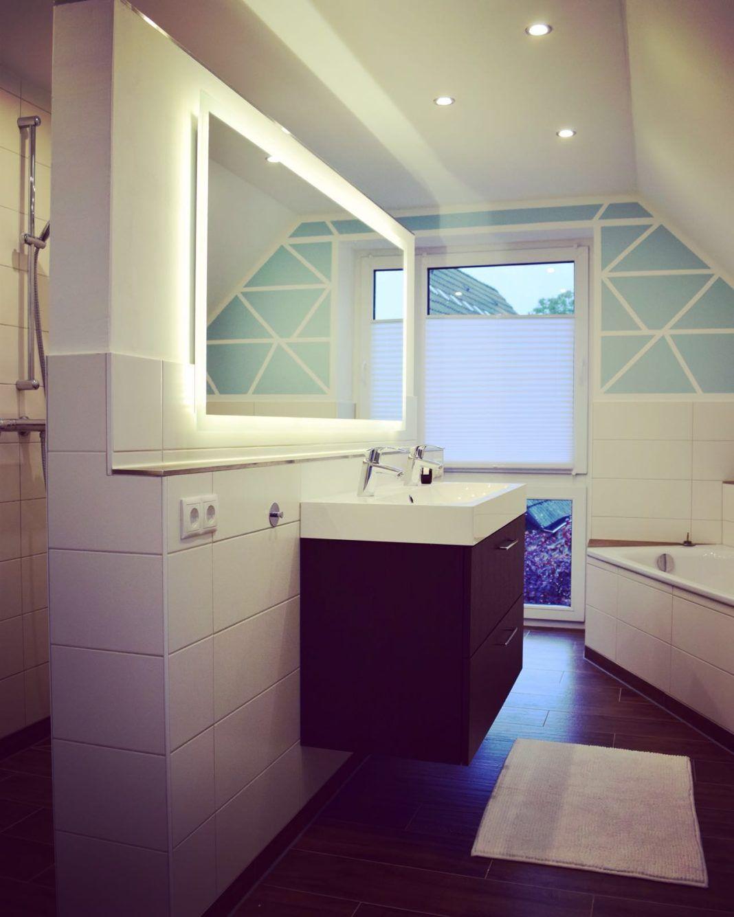 Badspiegel mit Beleuchtung   Unser Badezimmerspiegel mit ...