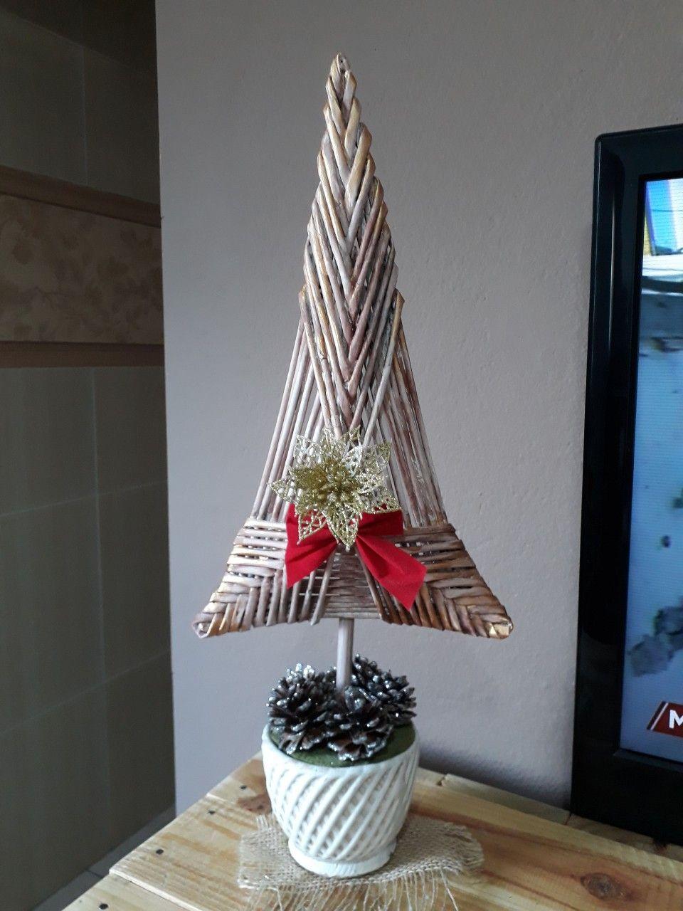Arvore De Natal Feita Com Folhas De Revista Arvore De Natal