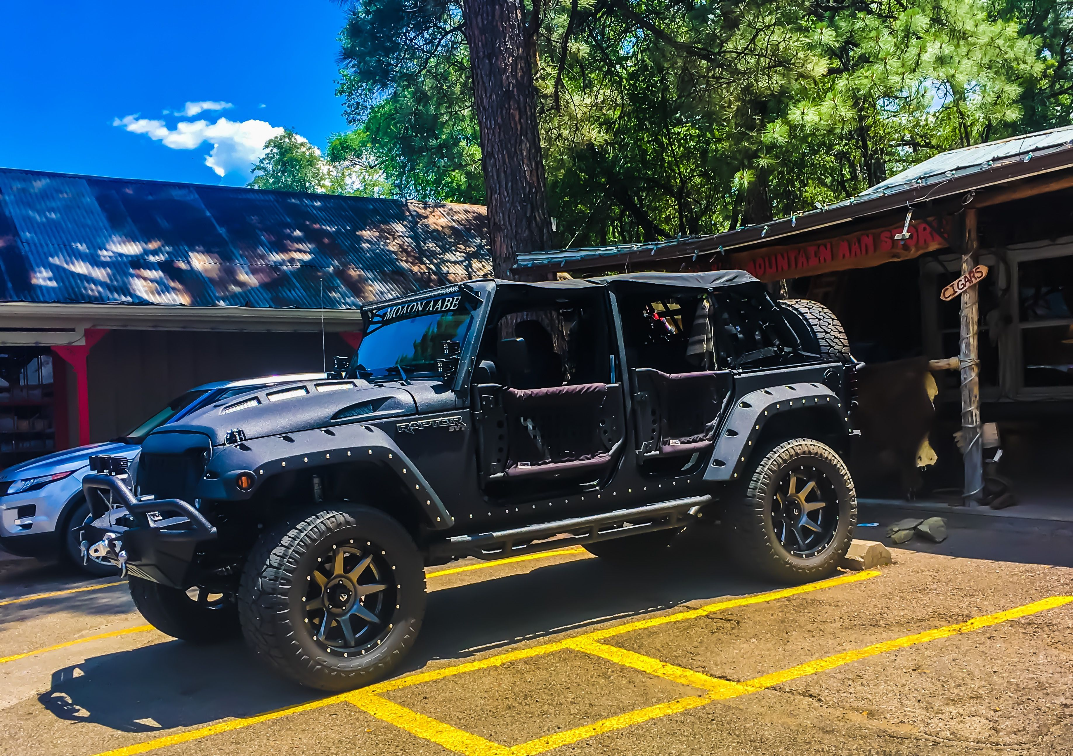 """This Jeep """"Raptor"""" is so badass"""