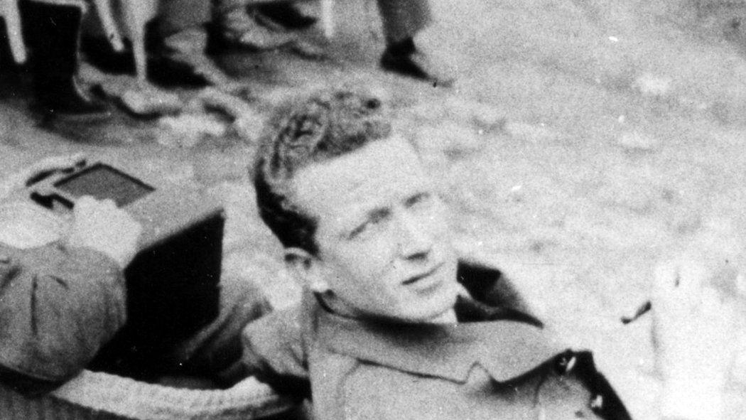 William Ash, Danger-Loving Escape Artist, Dies at 96