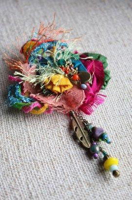 broche bijoux poétiques fleur de soie