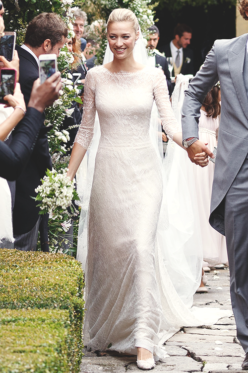 Beatrice Borromeo in her custom-made Giorgio Armani Privé wedding ...