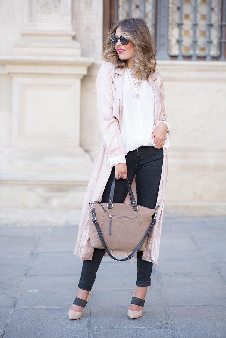 El potro u mi aventura con la moda white blouseblack ripped