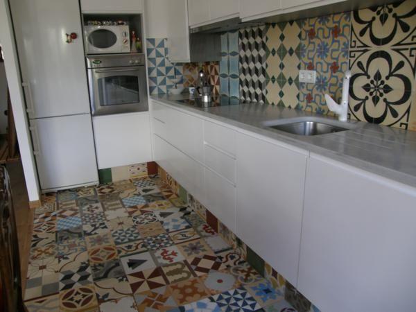 Cocina patchwork baldosas hidraulicas para cocinas pisos pinterest cocinas pisos y - Baldosa hidraulica cocina ...