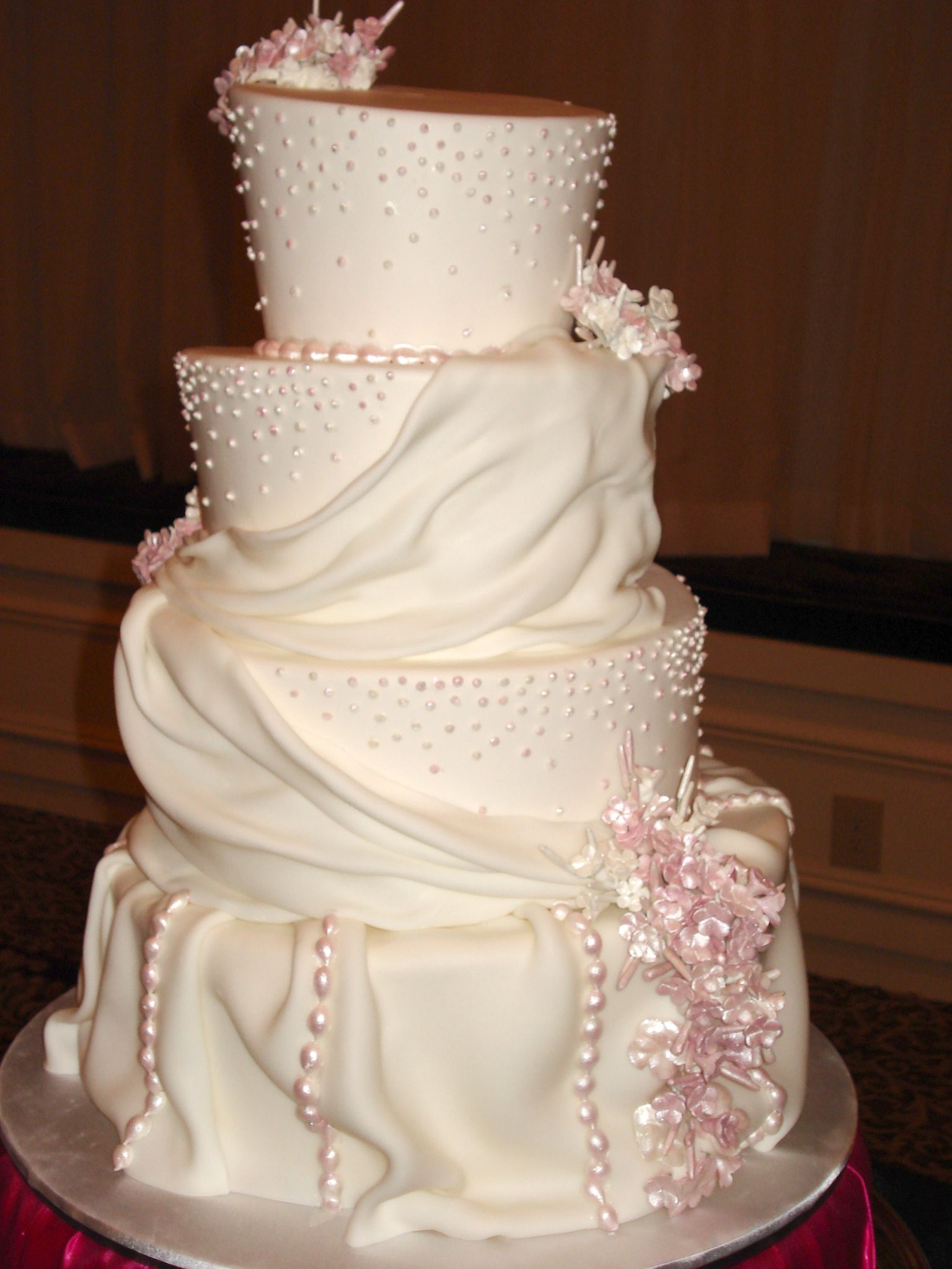 The Most Expensive Wedding Cake In The World Imgkid.com