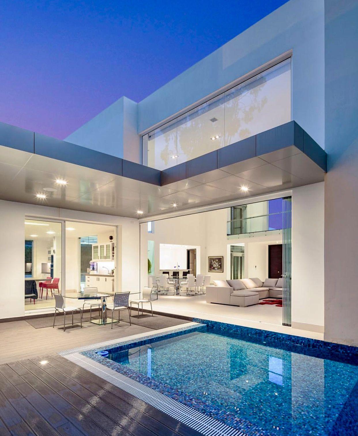 Modern Mansion, House