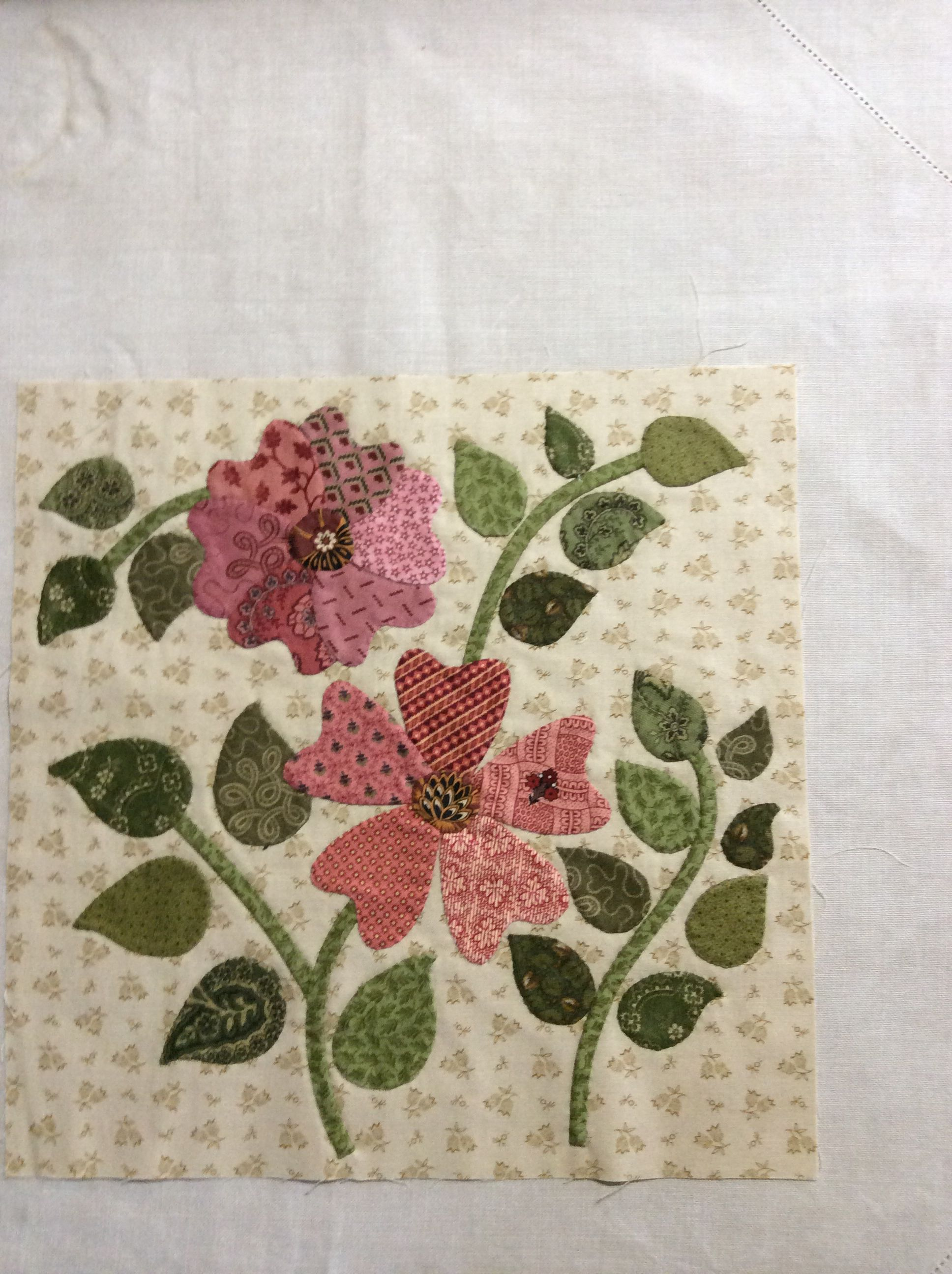 Block C1 | Applique Quilts | Pinterest | Applikationen und Blumen