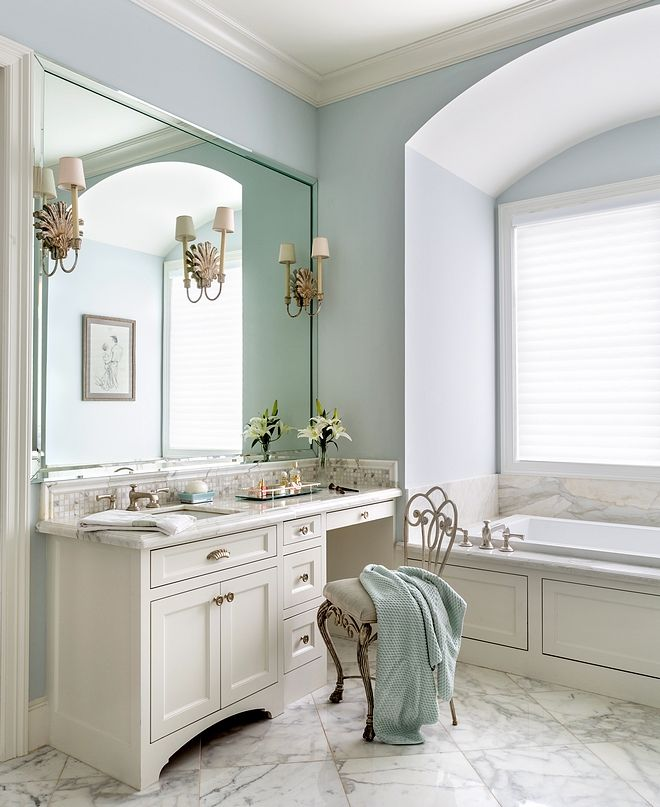 Glass Slipper By Benjamin Moore Paint Color Cabinet Paint Color Is Seashell By Benjamin Moore