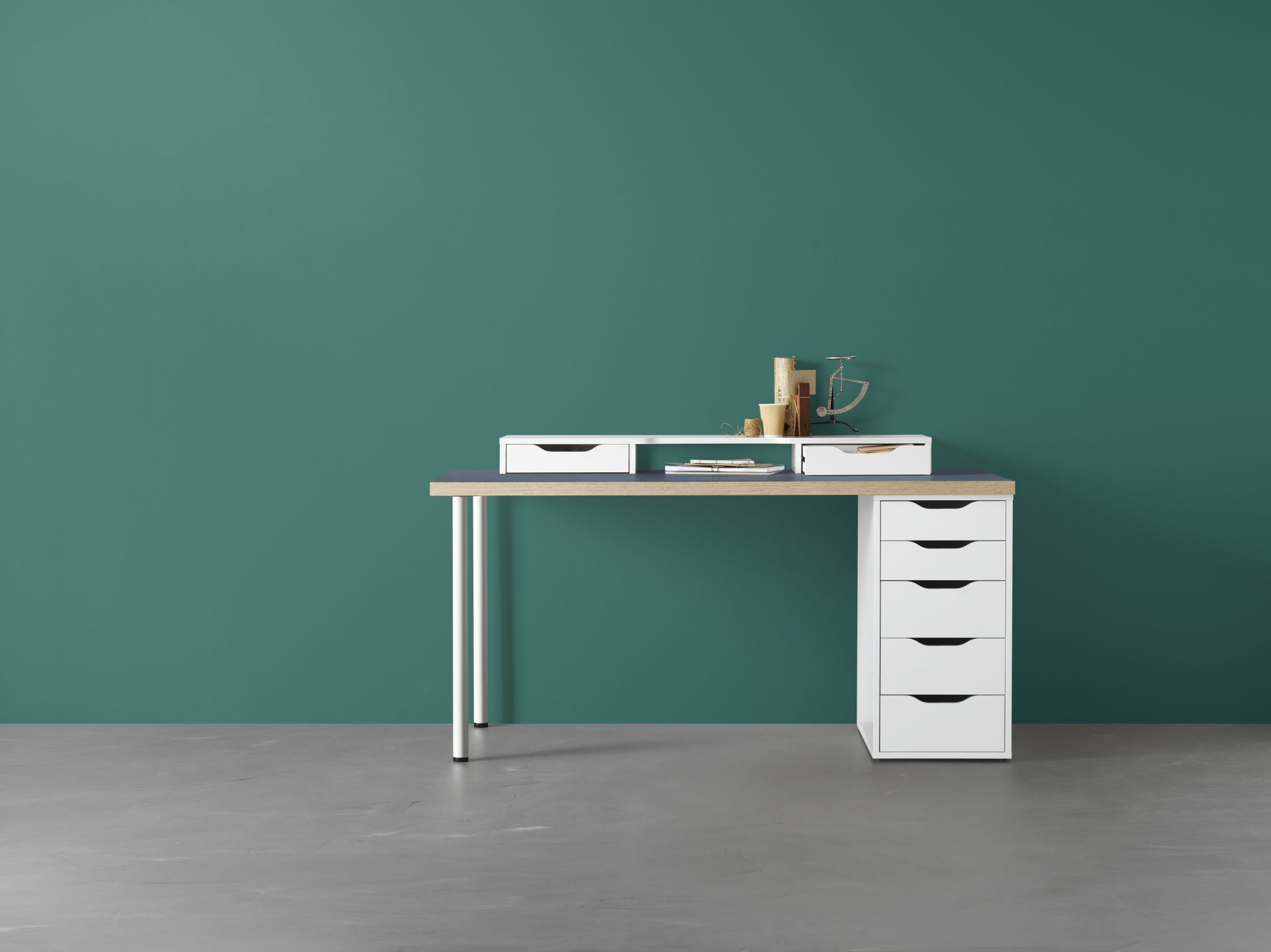 Ikea Makeup Tafel : Linnmon alex tafel blauw wit in office space modern
