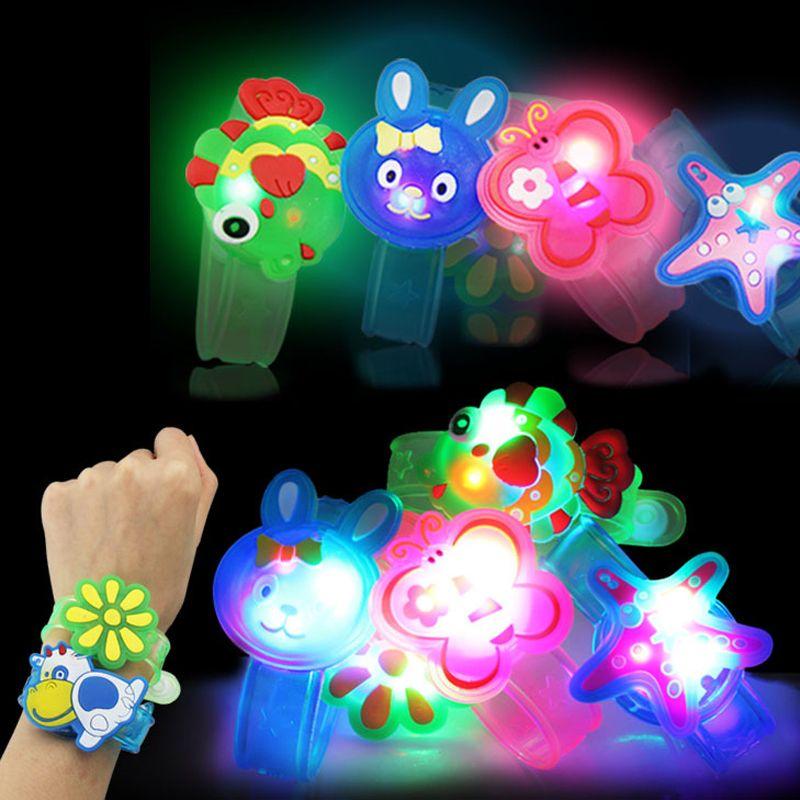 Kostenloser Versand Cartoon Blinkt Bügel LED Armband Armbänder Urlaub Licht Up Spielzeug Kinder Baby Kinder Zu