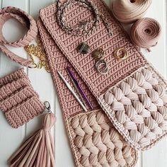 Harika bir çanta modeli 👌👌  Model 👉👉 @soul_creatis .  .  .