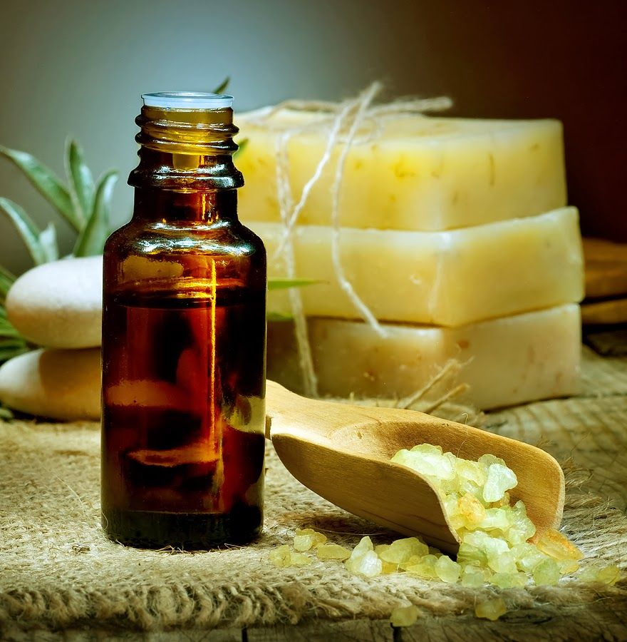 Essential oils - natural beauty tips: Essential Oils in Handmade Soap, Bath, Body and Spa Products.