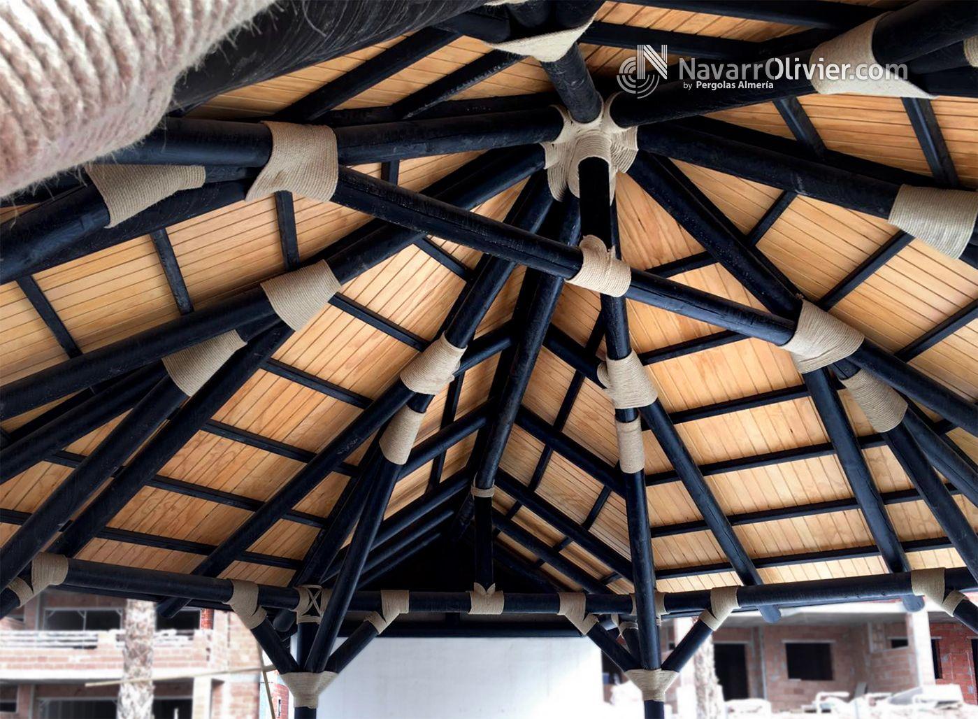 Cubierta de madera con acabado exterior en brezo nacional for Madera wengue