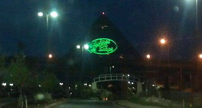 Celebrities Highlight Bass Pro Pyramid Grand Opening in Memphis