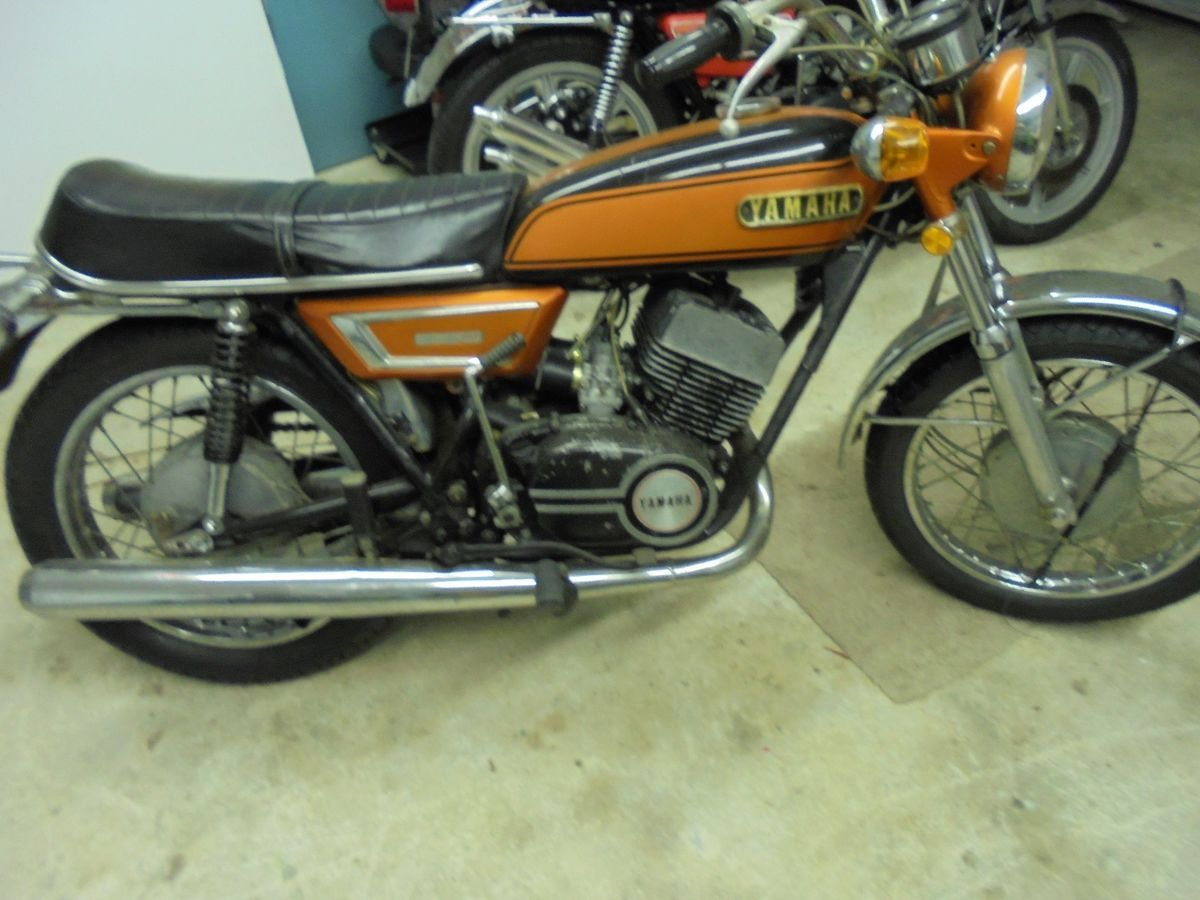 1972 yamaha r5 350 for sale via rocker co [ 1200 x 900 Pixel ]