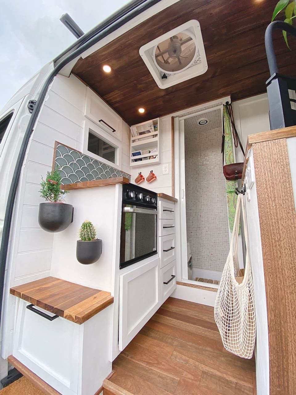 Photo of Check out this Minimal, Functional, and Nontoxic Small/Cool Space