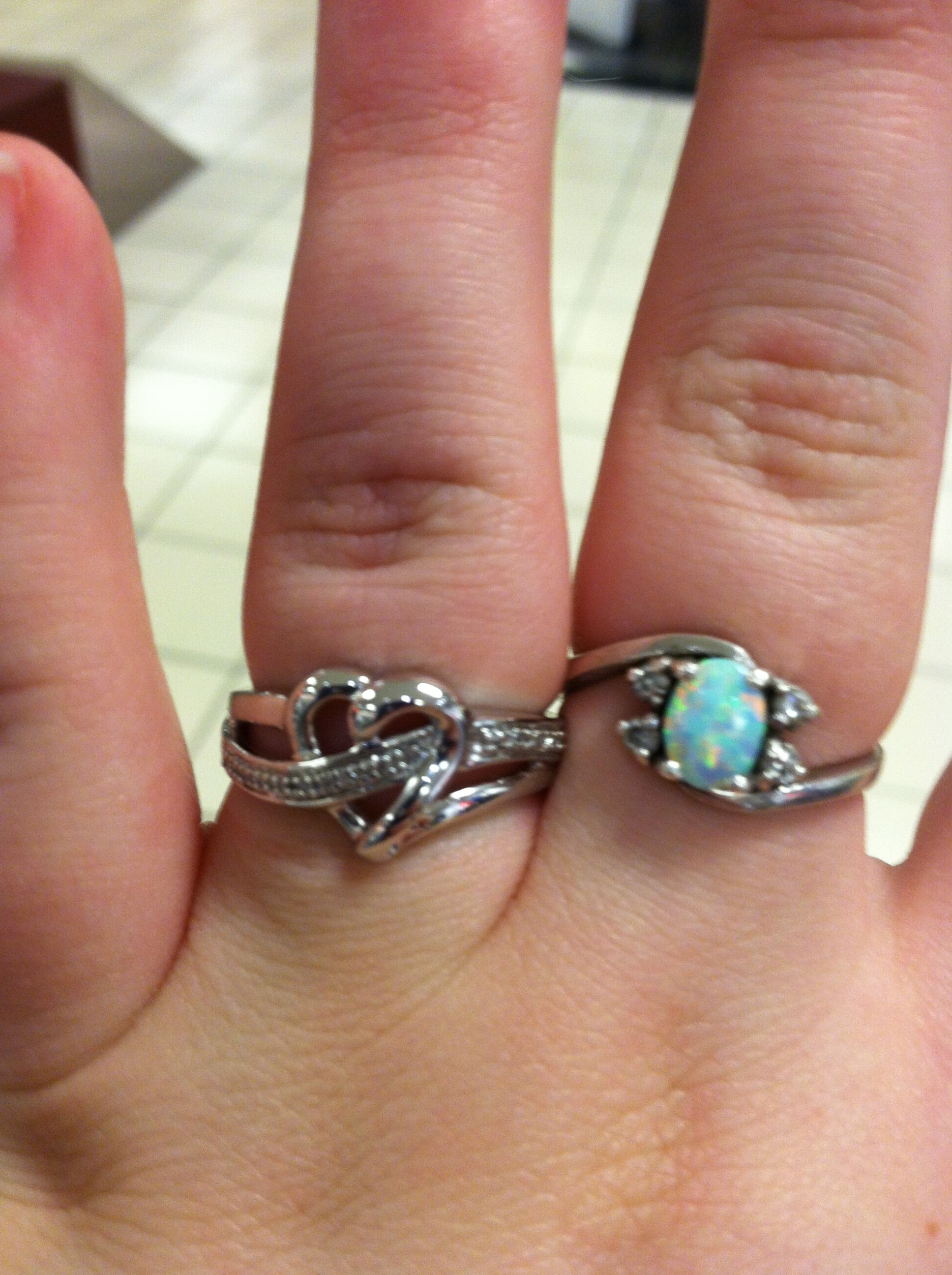 My beautiful promise ring (: